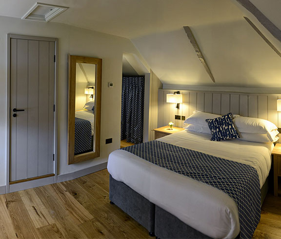 cottage double bedroom